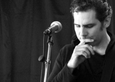 Concert de Michel Cloup et Pascal Bouaziz à la Maison Salvan : Pascal Bouaziz.