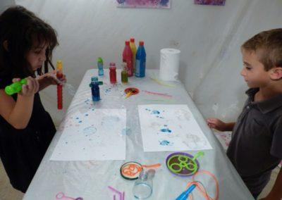 Atelier avec l'association art&couleur autour de l'exposition «À propos du fond de l'air».