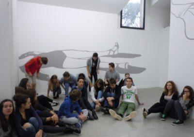 Visite des collégiens de l'exposition «Etant donné un mur».