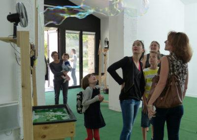 «À propos du fond de l'air», Annlor Codina, Hugo Brégeau. Vue de l'exposition.