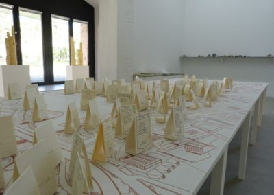 Vue de l'exposition «Je de cartes», Debbie Ding, Zulkifle Mahmod, Stéphane Marin.
