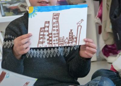 Visite-atelier de l'exposition «Je de cartes», école maternelle St-Dominique Savio de Labège.