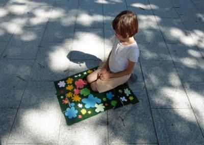 Le tapis de jardin par Elise, 7 ans.