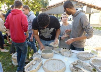 Workshop de Linda Sanchez avec les étudiants de l'école ÉCRAN pour l'exposition «Cabaret flux».