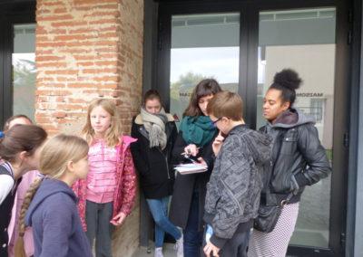 15 novembre 2016 : Rencontre avec la conteuse Sika Gblondoumé pour lui faire part des «On raconte que...» lors d'une visite du quartier.