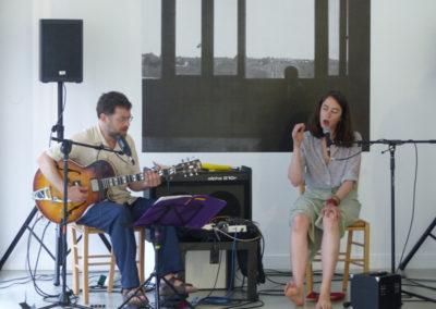 Répétition avant le concert Éloïse Decazes et Éric Chenaux à la Maison Salvan.