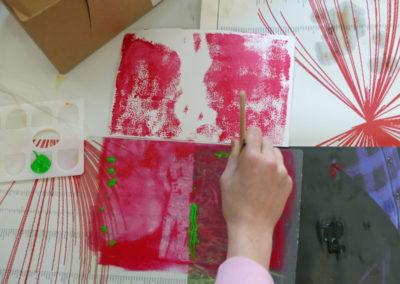 Atelier monotype après la visite de l'exposition.
