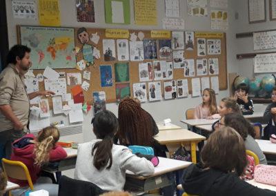 Résidence de territoire. Rencontre entre l'artiste et une classe de l'école de Labège.