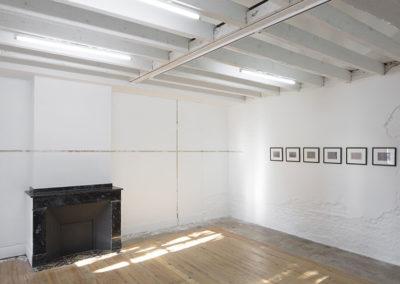 """Exposition """"Evergreen plaza"""" d'Eva Nielsen accompagnée d'œuvres de Rachel Whiteread, Piet Moget, Stéphanie Cherpin, Luigi Ghirri, Manoela Medeiros, Clarissa Baumann."""