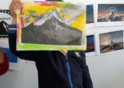 """Atelier logo avec les maternelles autour de l'exposition de David Coste, """"Une montagne(s)"""", 2019."""