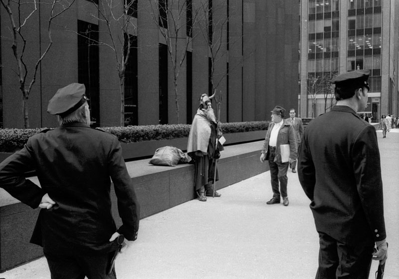 Thomas Bonvalet, Alexis Degrenier et Stéphane Garin, « Moondog on the streets »