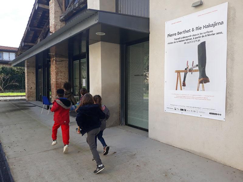 Des médiations de l'exposition en extérieur de Pierre Berthet et Rie Nakajima